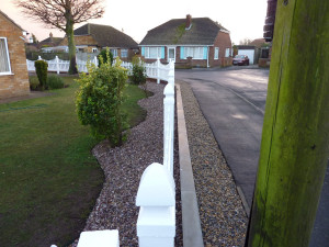 Plastic Fencing - Scalloped Picket Fence